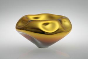 Alexa Lixfeld: Glasschale aus der Serie OCEAN Foto: Jiri Koudelka